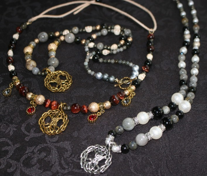 Necklace-image01ds.JPG